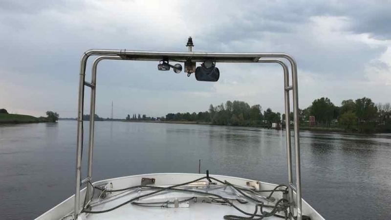 Sehr ruhig auf der Elbe.